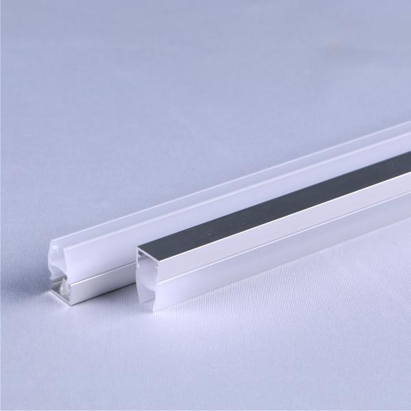 M1:卡玻璃三面发光线条灯