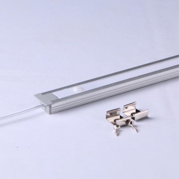 MDS80-PIR:嵌入式人体感应垂直发光线条灯