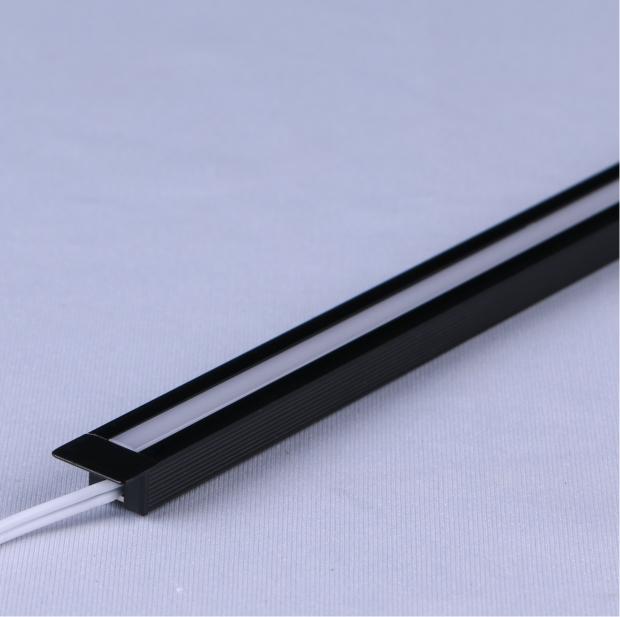X24:嵌入式无光点线条灯
