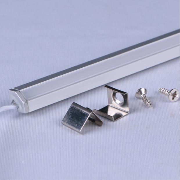 X30:明装斜发光线条灯